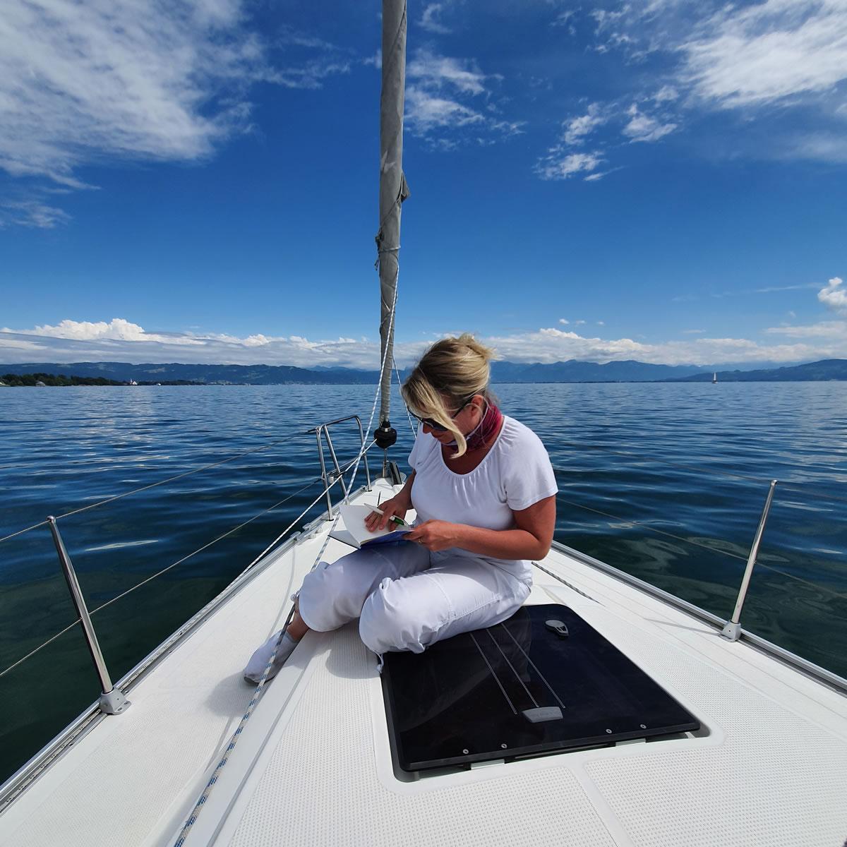 Autorin Susanne-Gärtner Segeln Yacht Deck 2